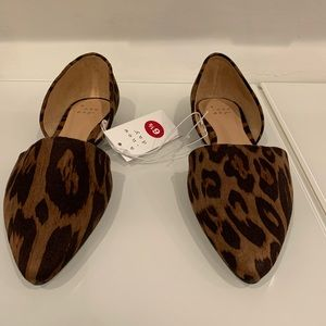 Brown size 6.5 flats.